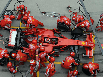 Formula_One_Pit_Stop_Action_16001200_wallpaper-1024x768.jpg