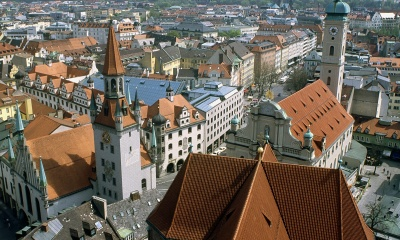 heiliggeistkirche-and-old-town-hall-munich-germany-t2.jpg